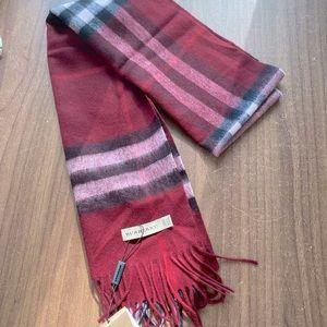 Burberry NWT cashmere scarf